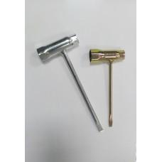 Ключ свечной комбинированный бензопилы .